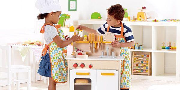 El juego en la infancia también permite imitar y practicar habilidades muy útiles para la vida adulta posterior