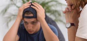 adolescente ansioso en consulta psicólogo