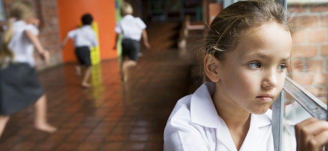 En general, la vuelta al cole es algo costoso para los niños. Especialmente para los niños que tienen algún tipo de dificultad en el colegio (de aprendizaje, de relaciones sociales, bullying...). Hoy, además, la situación se ve agravada por la presencia del covid en nuestras vidas.