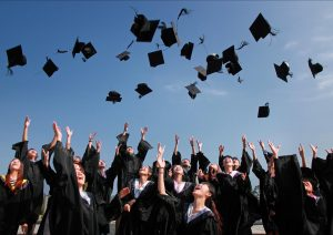 graduación estudiantes